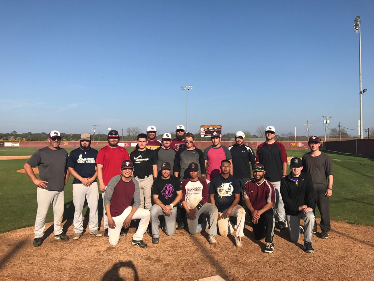 2017 Warhorses beat Alumni team 11-5