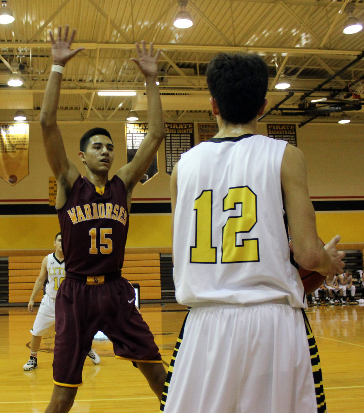 Warhorses win 2OT thriller in Carrizo Springs
