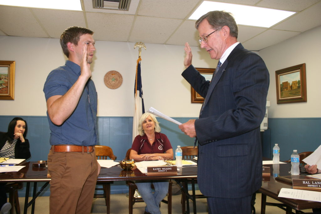 City Attorney Tom Cate Swears In Cory Thompson As District 5 Councilman The Devine Council Meeting Held May 16