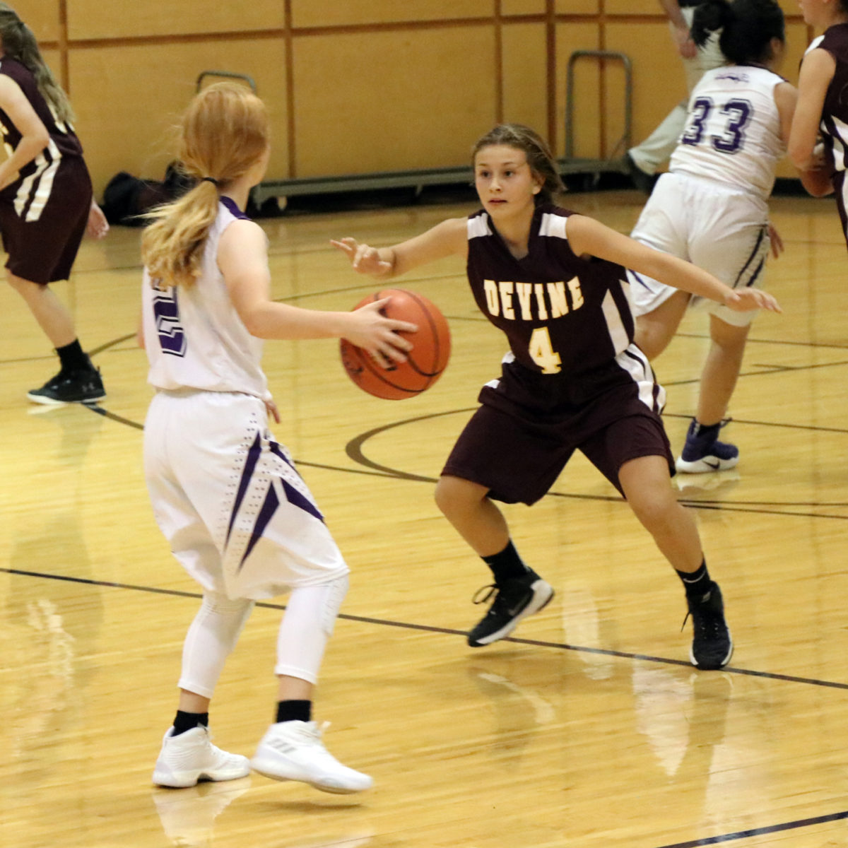 Freshmen Arabians lose season opener to Boerne