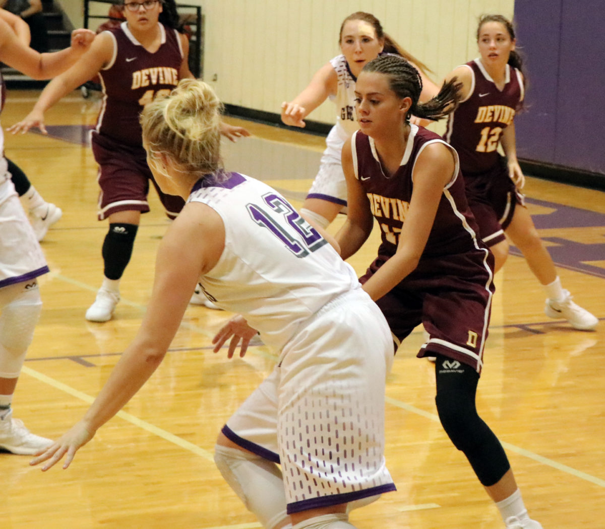 Arabians open season with losses to Boerne, Navarro