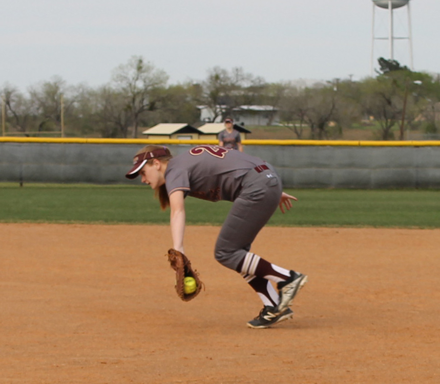 Arabians out-hit Crystal City in win
