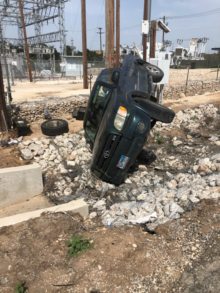 One fatality in three rollover accidents