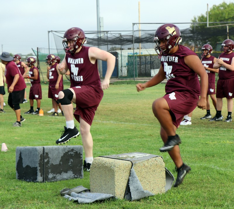Warhorse football hosts Bandera scrimmage this Friday