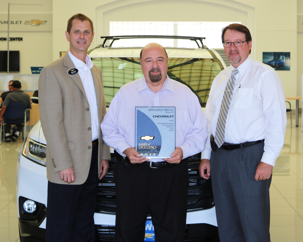 Brown Chevrolet Devine Tx >> Brown Chevrolet Recognized With 2017 Gm Mark Of Excellence