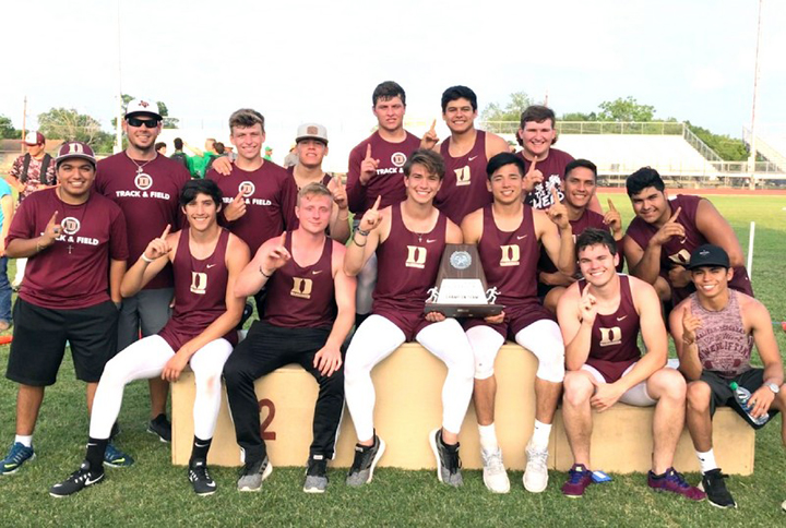 Warhorses win Area Track Meet; 11 move on to Regional