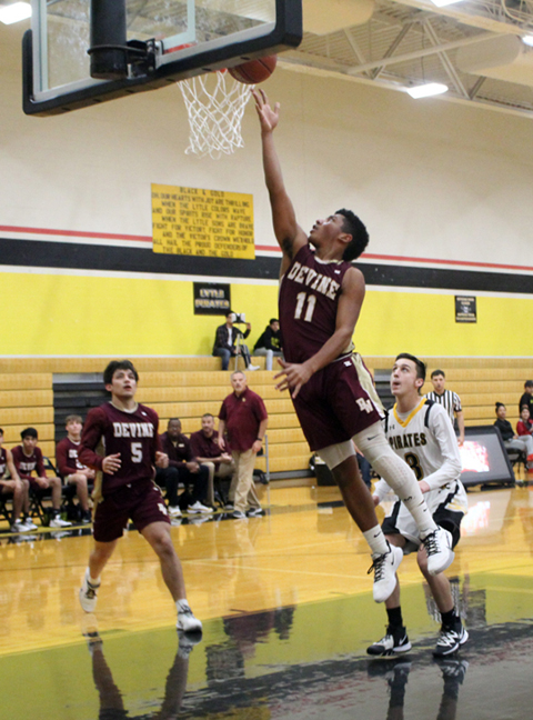 Warhorses finish pre-District strong