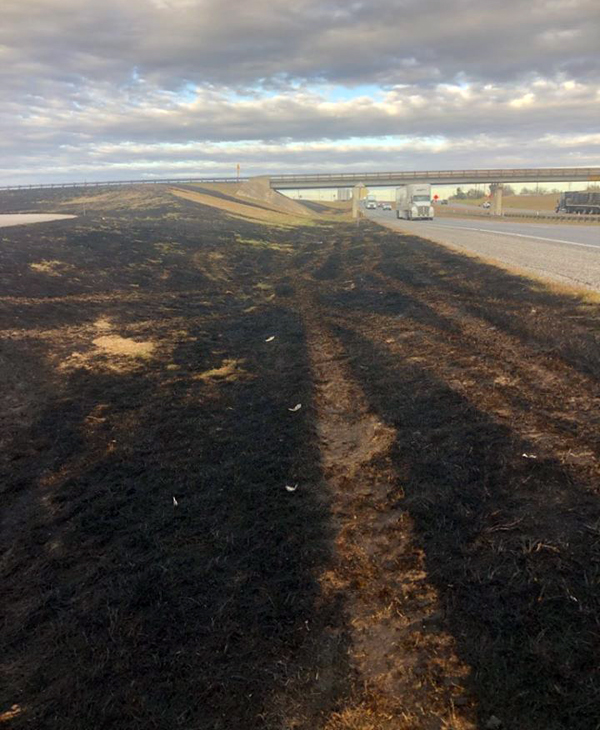 Five fires break out along I-35, heavy smoke causes accident