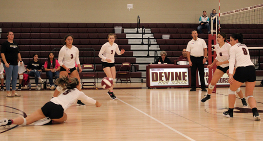 Undefeated Arabian volleyball powers through district